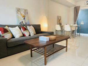 For RentTownhouseBangna, Lasalle, Bearing : Townhome for rent Indy 3 Bangna Km.7 near Mega Bangna