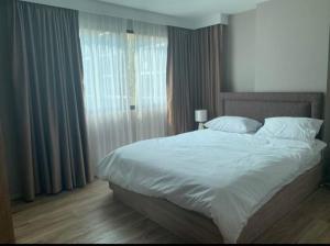 For RentCondoSathorn, Narathiwat : For rent, Blossom Sathorn-Charoenrat, 2 bedrooms, Building E, 4th floor, pool view, near BTS Surasak.