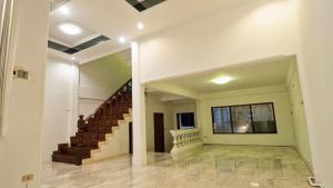 For RentShowroomSukhumvit, Asoke, Thonglor : House for rent at Ekkamai 26, home office & showroom