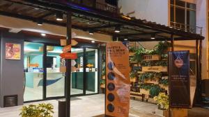ขายขายเซ้งกิจการ (โรงแรม หอพัก อพาร์ตเมนต์)พัทยา บางแสน ชลบุรี : ขายโรงแรม สุดน่ารัก ห่างชายหาด เพียง 400 เมตร พัทยา โรงแรม 3 ดาว ห่างหาดจอมเทียน 800 เมตร