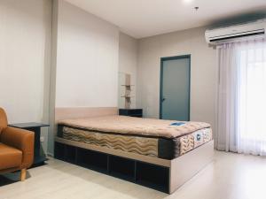 For RentCondoSamrong, Samut Prakan : Condo for rent, IDEO Sukhumvit 115, next to BTS Pu Chao Samingprai Swimming pool view
