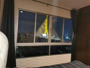 For RentCondoRama 8, Samsen, Ratchawat : Lumpini Place Rama 8, Chao Phraya River view, Building C, Floor 12A (top floor), Rent only 9,000 baht / month