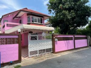 For RentHouseRattanathibet, Sanambinna : Urgent for rent !!! 2-storey detached house, 70 sq m., The most in location In and out is very convenient. Next to the Purple Line. Bang Yai Intersection