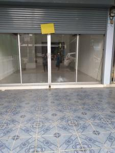 For RentShophouseLadprao101, The Mall Bang Kapi : Room / two-story building Can be used as a small office and residential upstairs, Big C Lat Phrao area.