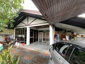 For SaleHouseRatchadapisek, Huaikwang, Suttisan : ✅ 1 storey detached house for sale with 2-storey building, Soi Sua Yai Uthit (Ratchada 36), near MRT size 105 sq m ✅