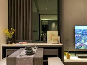 For RentCondoSukhumvit, Asoke, Thonglor : Fully Furniture 1 bed 1 bath Nice room good view at Beatniq Sukhumvit 32 by SC Asset