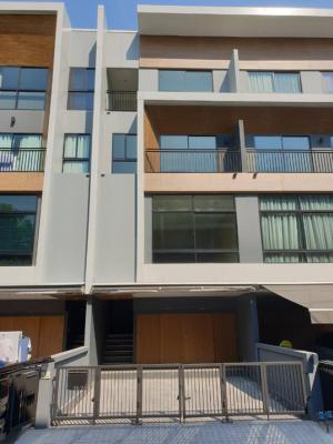 ขายทาวน์เฮ้าส์/ทาวน์โฮมพระราม 3 สาธุประดิษฐ์ : ขายด่วน บ้านใหม่สภาพดีมากๆคะ  ทาวน์โฮม 3.5ชั้น หมู่บ้านอาร์เด้น พระราม 3 Arden Rama3 พื้นที่ขนาด 20 ตร.วา 3 ห้องนอน 4 ห้องน้ำ เดินทางสะดวกมาก ใกล้ BTS ช่องนนทรี  ใกล้ทางด่วน ราคาเพียง13.5ล้าน