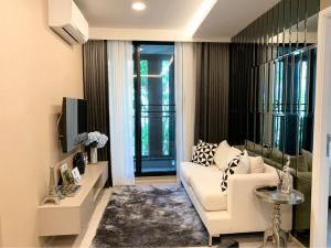 For RentCondoSukhumvit, Asoke, Thonglor : For rent >> Vtara Sukhumvit 36. 2 bed 2 bath. Corner unit. Pool view.
