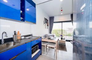 For RentCondoSukhumvit, Asoke, Thonglor : POJ 264 XT Ekkamai condo for rent, modern style, new room, fully furnished, rent only 18,000 baht !!!