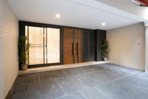 ขายบ้านสุขุมวิท อโศก ทองหล่อ : ขายบ้านกลางกรุงทองหล่อ ตรงข้าม J Avenue 26ตรว. พื้นที่ 326ตรม. รีโนเวทใหม่ทั้งหลังสวยมาก