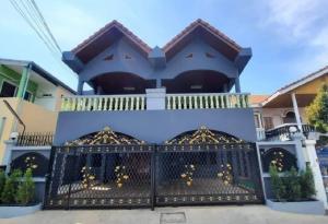 For SaleHouseBang kae, Phetkasem : 📌 Twin house for sale, renovated new Saranrom Village