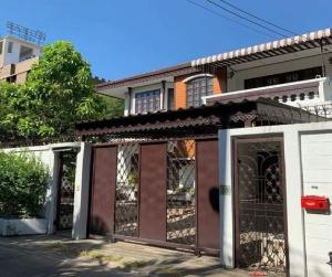 For RentHouseLadprao101, The Mall Bang Kapi : For Rent 2-storey house for rent, Soi Ladprao 115, very good location, fully furnished, fully furnished, 4 air conditioners, residential or as an office, can register a company.