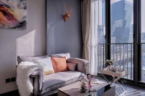 เช่าคอนโดพระราม 9 เพชรบุรีตัดใหม่ : POJ 272 ให้เช่า The Line Asoke Ratchada 1 ห้องนอน ห้องพิเศษมี (Walk-in Closet) ค่าเช่าพิเศษเพียง 19,000 บาทเท่านั้น !!!