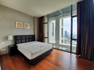 For RentCondoSathorn, Narathiwat : NAI415 Condo for rent at Sukhothai Residences, near MRT Lumpini, 26th floor.
