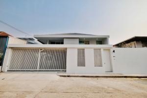 ขายบ้านนานา : NAI409 ขาย บ้านเดี่ยว 2 ชั้น ซอยปรีดีย์ 42 ใกล้ เอกมัย และ ทองหล่อ
