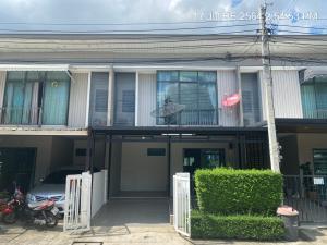 For RentTownhouseChengwatana, Muangthong : Townhouse for rent, 3 bedrooms, 2 bathrooms, behind Robinson Srisamarn.