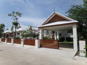 For SaleHousePattaya, Bangsaen, Chonburi : Covid Promotion, Best Price of  A Beautifully Detached House with Pool Villa, 7-minute to Jomtien Beach, Pattaya with ease access to Pattaya Town