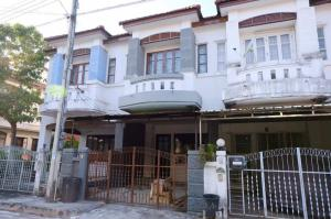 For SaleTownhouseChiang Mai : 2 storey townhouse for sale ** Sale 1.7, transfer fee per person