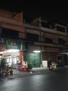 เช่าพื้นที่ขายของ ร้านต่างๆพระราม 3 สาธุประดิษฐ์ : ให้เช่าพื้นที่หน้าบ้านขายของ สาวโรงงานพนักงานโรงงงาน หน้าวัดเรืองยศ มีตลาดนัดทุกเสาร์