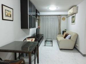 For RentCondoRatchadapisek, Huaikwang, Suttisan : Condo for rent CHATEAU IN TOWN Ratchada 13/2 Bed / 8 Fl. Corner room * near MRT Huai Khwang