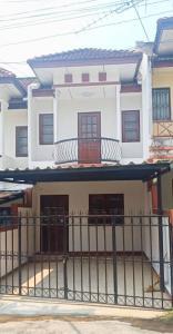 For SaleTownhouseChiang Mai : 2 storey townhouse for sale near Mae Rim market, Chiang Mai.
