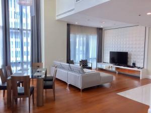 For RentCondoSukhumvit, Asoke, Thonglor : Bright Sukhumvit24 condo Duplex 3 bedrooms 3 bathrooms 180sqm on high floor near BTS Phromphong