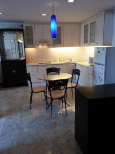 เช่าคอนโดวิทยุ ชิดลม หลังสวน : Special Price > Witthayu Complex 2 Bedroom> Fully Furnished 15,000/Month !