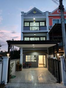 For SaleTownhouseChiang Mai : TownHouse For Sale English below