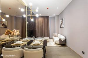 For RentCondoSukhumvit, Asoke, Thonglor : Rental: The Esse At Singha Complex, 76 Sqm, 2 Bed 2 Bath, City View, Floors 29