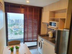 For RentCondoBangna, Lasalle, Bearing : Rent Ideo O2 Ideo O2 Building A, 25th floor, closed kitchen, 1 bedroom, high floor, city view, 33 sqm, fully furnished, ready to move in + electrical appliances, fully furnished with electrical appliances, the best in Bangna area !!!