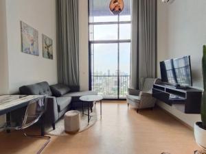 เช่าคอนโดสุขุมวิท อโศก ทองหล่อ : Pet Welcome! 🐶🐱 ให้เช่าคอนโด MARU Ekkamai (1 Bedroom Duplex) ห้องสวย ตกแต่งห้องสไตล์โมเดิร์น ชั้นสูงมากกกกก!!!!!!!