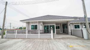ขายบ้านเชียงใหม่ : CDK100200  ขายบ้านเดี่ยวชั้นเดียว  พื้นที่ใช้สอยถึง 50 ตรว. มี 3 ห้องนอน 2 ห้องน้ำ อยู่โซนดอยสเก็ด ใกล้ ตลาดท่ารั้ว และ โลตัส Express ขายเพียง 2.09 ล้านบาท