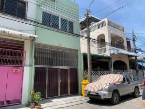 For SaleShophouseSathorn, Narathiwat : 🔥 Sell 3-storey commercial building, Sam Roi Community, Soi 4 Charoen Krung 107, Bang Kho Laem, Bangkok, 3 bedrooms, 3 bedrooms, near Wat Chan Nai 🔥 Interested, call 0823223695.