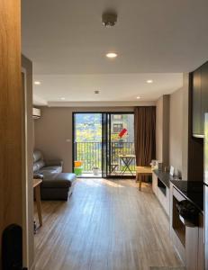 For RentCondoSathorn, Narathiwat : Blossom Condo @ Sathron Charoenrat For Rent 20,000 baht / month 65 Sqm 2 bedroom 2 bath