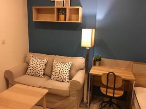 For RentCondoRama9, RCA, Petchaburi : Rent Life Asoke, 1 bedroom, 20th floor, 25 sqm., Condo near MRT Phetchaburi, about 130 m.