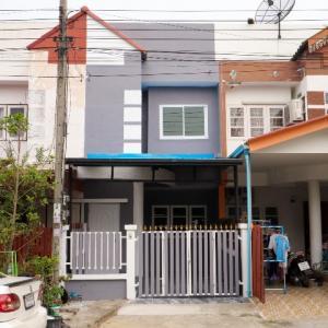 ขายทาวน์เฮ้าส์/ทาวน์โฮมมีนบุรี-ร่มเกล้า : ขายทาวน์เฮ้าส์ 2 ชั้น 16 ตรว หมู่บ้านธันยพฤกษ์ หนองจอก ผดุงพันธ์ รีโนเวทใหม่ พร้อมเข้าอยู่ สุวินทวงศ์ คู้ซ้าย คู้ขวา