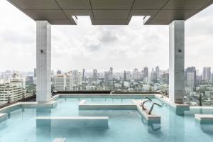 For RentCondoSukhumvit, Asoke, Thonglor : Rental : Vittorio 39 Condo , 2 Bed 2 Bath , 138 sqm , Floor 12C