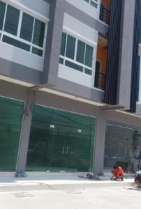 For RentShophouseRama5, Ratchapruek, Bangkruai : 4-storey commercial building for rent with parking on Tiwanon Road. Near the Department of Lands