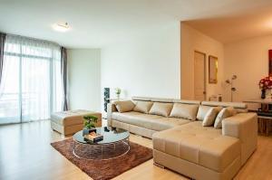 For RentCondoWongwianyai, Charoennakor : For rent >> Baan Sathorn Chaopraya, 2 bed 2 bath, 140 sqm. Chaopraya riverfront.