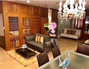For RentCondoWongwianyai, Charoennakor : For rent >> Baan Sathorn Chaopraya. 2 bed 2 bath, 31 Floor. Corner unit, river view.
