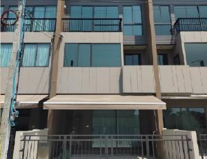 เช่าทาวน์เฮ้าส์/ทาวน์โฮมบางนา แบริ่ง : For Rent ให้เช่าทาวน์โฮม 3 ชั้น โครงการใหม่ หมู่บ้านกลางเมือง บางนา-วงแหวน บ้านสภาพใหม่ เฟอร์นิเจอร์ครบ แอร์ 4 เครื่อง ทำเลดีมาก ใกล้ เมกะ-บางนา