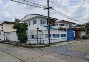 For RentHouseLadprao 48, Chokchai 4, Ladprao 71 : 2 storey detached house for rent, Soi Prasert Manukit 18, Sena Niwet 1 Village, Ladprao, behind the corner, area 65 square wah, Renovate new