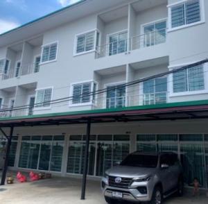 For RentShophouseSapankwai,Jatujak : BH910 3-storey commercial building for rent, 2 bedrooms, 3 bathrooms, Soi Phaholyothin 23, near SCB Headquarters, Central Ladprao, BTS Phahon Yothin, suitable for housing, office, shop, Chatuchak district