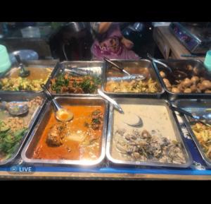 For LongleaseRetailRangsit, Patumtani : Sell rice and curry shop. Good location, Rajamangala Klong 6, next to 7-11 (20000) express