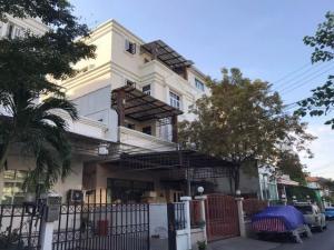 เช่าตึกแถว อาคารพาณิชย์พัฒนาการ ศรีนครินทร์ : BS697-1ให้เช่าอาคาร 4 ชั้น เนื้อที่ 45 ตรว.ซอยศรีนครินทร์ ใกล้ธัญญาพาร์ค เดินทางสะดวก
