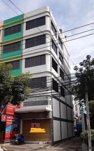 ขายตึกแถว อาคารพาณิชย์สุขุมวิท อโศก ทองหล่อ : SB4004  ขายอาคารพาณิชย์ 5 ชั้น ทำเลทาง ย่านสุขุมวิท 105 ใกล้ BTS แบริ่ง