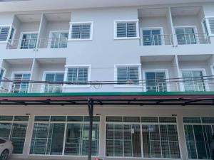 For RentShophouseLadprao, Central Ladprao : NA-B4011 3-storey commercial building for rent, able to register a company, near BTS Phahon Yothin
