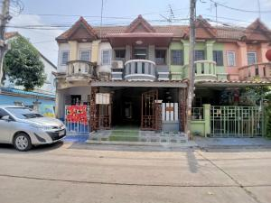 For SaleTownhouseBang kae, Phetkasem : Townhouse for sale Phong Sirichai 4 Phetkasem 81 There are buses passing by, there are 7 Lotus markets in the village.