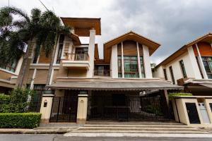 For RentHouseOnnut, Udomsuk : For Rent : Baan Sansiri Sukhumvit 67, Luxury House close to BTS Prakanong