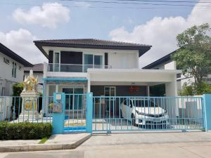 For RentHouseRamkhamhaeng,Min Buri, Romklao : POJ 277 2 storey detached house for rent, Manthana Village (Srinakarin-Romklao), house area 51 sq.wa, usable area 141 sq m, very new condition house with 3 bedrooms, 3 bathrooms, 2 parking spaces.